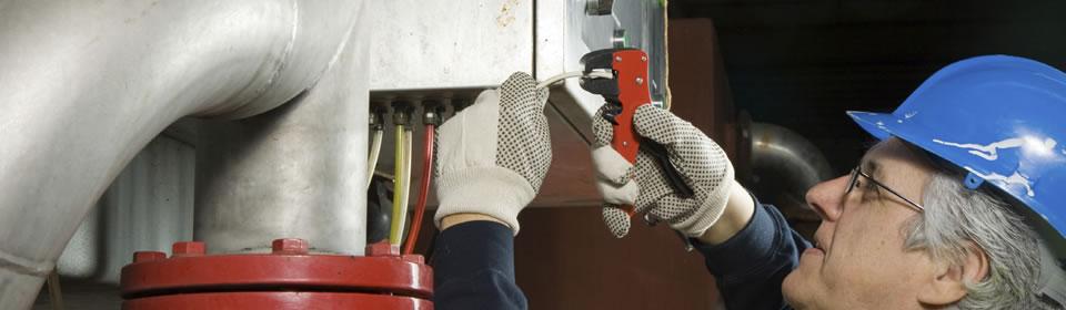 CV monteur repareert CV ketel